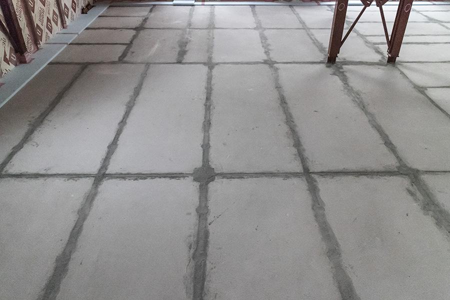 床の目地工事完了