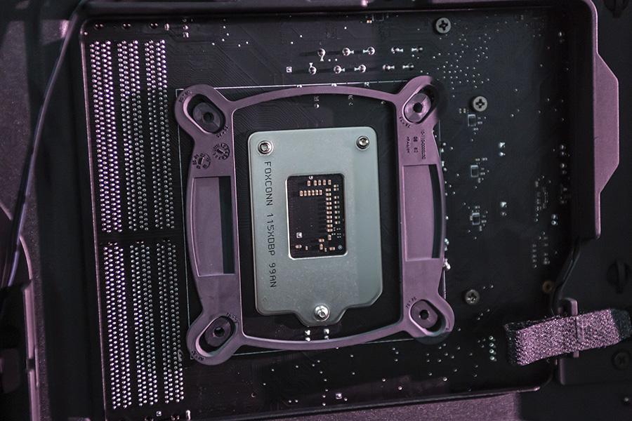 Intel CPU取り付け部品